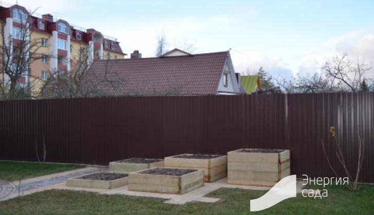 Огород на участке.